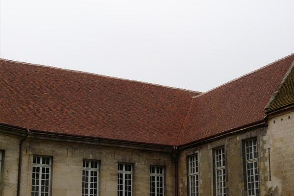 monument historique tuile